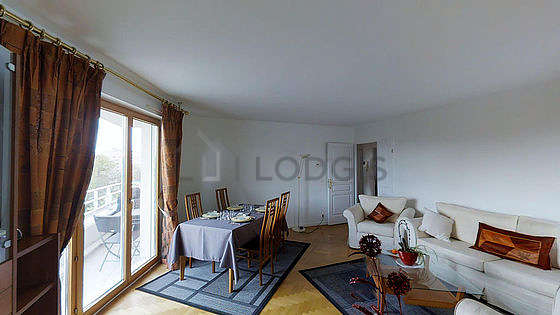 Very quiet living room furnished with air conditioning, tv, 2 armchair(s), 4 chair(s)