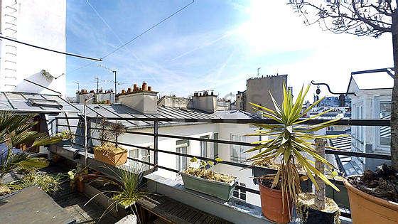 Terrasse équipée de 1 fauteuil(s), tabouret