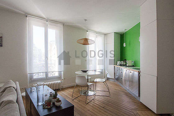 Kitchen where you can have dinner for 4 person(s) equipped with dishwasher, hob, refrigerator, crockery