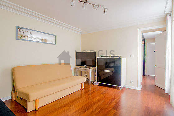 Very quiet living room furnished with 2 sofabed(s) of 140cm, tv, storage space
