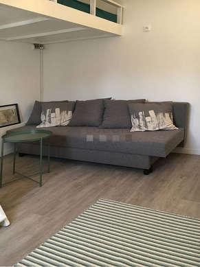 Séjour très calme équipé de 1 lit(s) mezzanine de 140cm, 1 canapé(s) lit(s) de 140cm, table basse, 1 chaise(s)