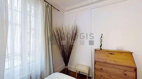 Chambre calme pour 2 personnes équipée de 1 lit(s) de 80cm, 1 lit(s) de 90cm