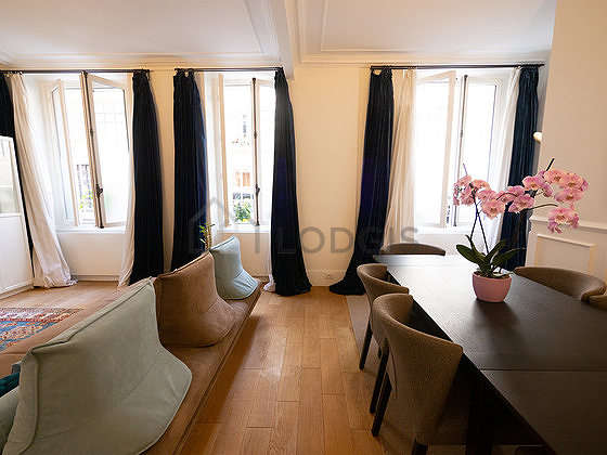 Séjour calme équipé de 1 canapé(s) lit(s) de 160cm, 1 canapé(s) lit(s) de 180cm, télé, 1 fauteuil(s)