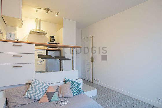 location studio issy les moulineaux 92130 meubl 18 m proche de paris. Black Bedroom Furniture Sets. Home Design Ideas