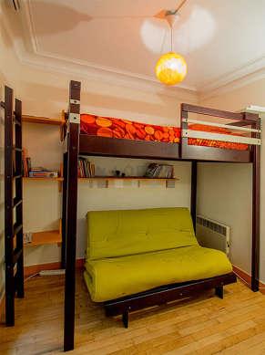 Bedroom of 8m² with its wooden floor