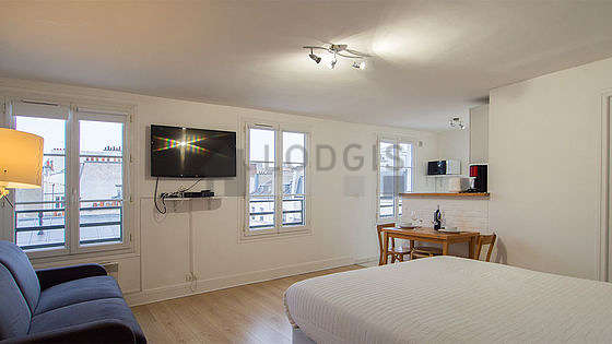 Very quiet living room furnished with 1 sofabed(s) of 140cm, 1 bed(s) of 160cm, tv, fan