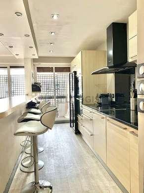 Great kitchen of 6m² with its linoleum floor