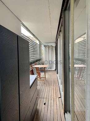 Very quiet and bright balcony
