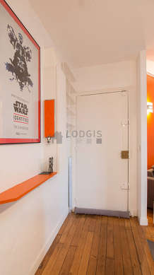 Beautiful entrance with its wooden floor