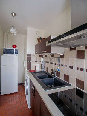 Great kitchen of 5m² with floor tiles floor