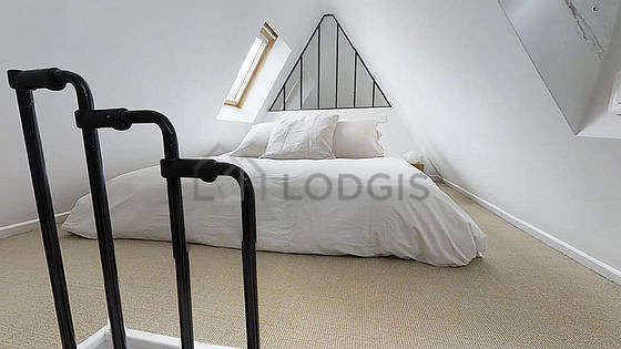 Very quiet bedroom for 1 persons equipped with 1 sofabed(s) of 0cm