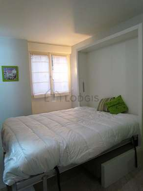 Very quiet living room furnished with 1 murphy bed(s) of 160cm, tv, 1 armchair(s), 4 chair(s)
