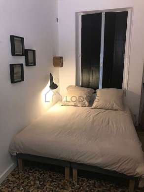 Quiet alcove equipped with 1 bed(s) of 140cm