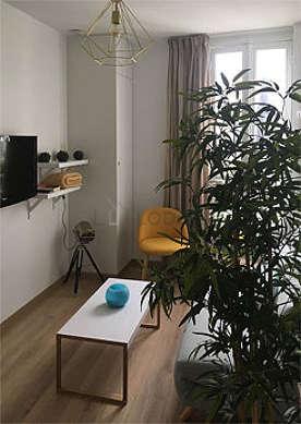 Séjour très calme équipé de télé, 1 fauteuil(s), 2 chaise(s)