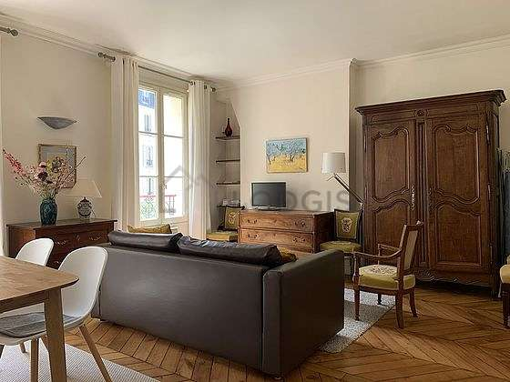 Quiet living room furnished with 1 sofabed(s) of 140cm, tv, 1 armchair(s), 8 chair(s)