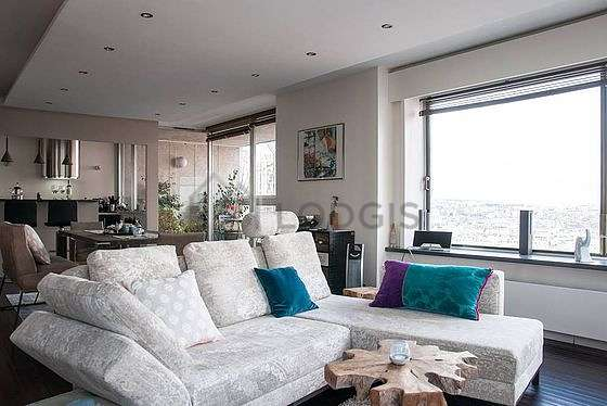 Very quiet living room furnished with 1 sofabed(s) of 160cm, tv, dvd player, 1 armchair(s)