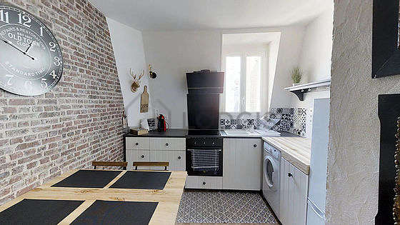 Great kitchen of 9m² with wooden floor