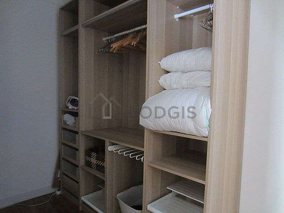 Dressing-room serviced with : wardrobe