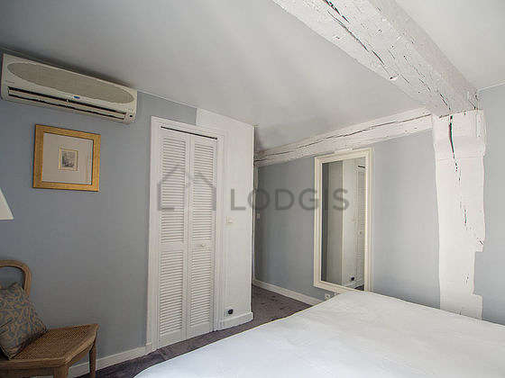 Bright bedroom equipped with wardrobe, 1 chair(s)