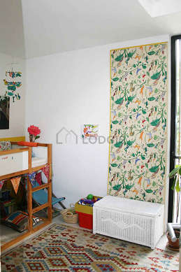 Very quiet bedroom for 1 persons equipped with 1 infant bed(s) of 80cm