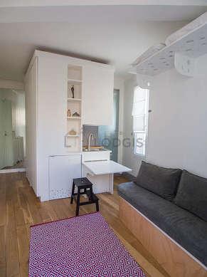 Séjour très calme équipé de 1 lit(s) armoire de 140cm, télé