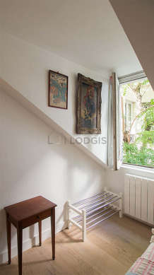 Very quiet and bright alcove equipped with 1 bed(s) of 80cm