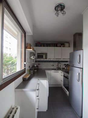 Great kitchen of 10m² with tile floor