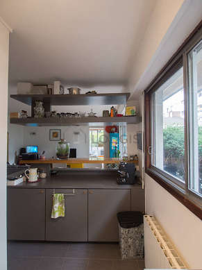 Very bright kitchen facing the garden