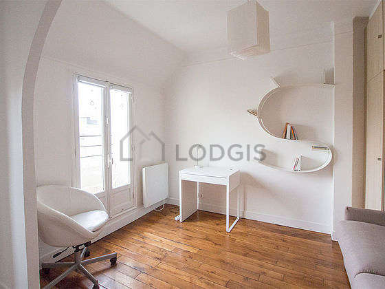 Very quiet living room furnished with 1 sofabed(s) of 160cm, desk, cupboard, 1 chair(s)