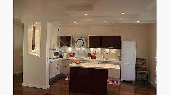 Magnifique cuisine de 9m² avec du parquet au sol