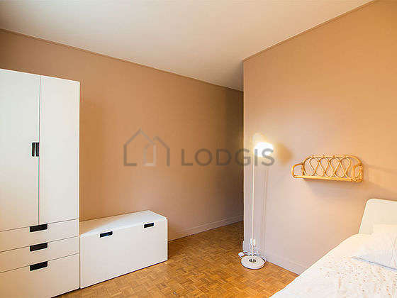 Very quiet bedroom for 1 persons equipped with 1 pullout bed(s) of 80cm