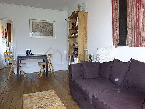 Very quiet living room furnished with 1 sofabed(s) of 140cm, tv, dvd player, 1 armchair(s)