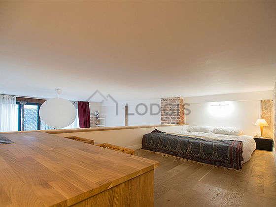 Very beautiful mezzanine equipped with wardrobe, cupboard