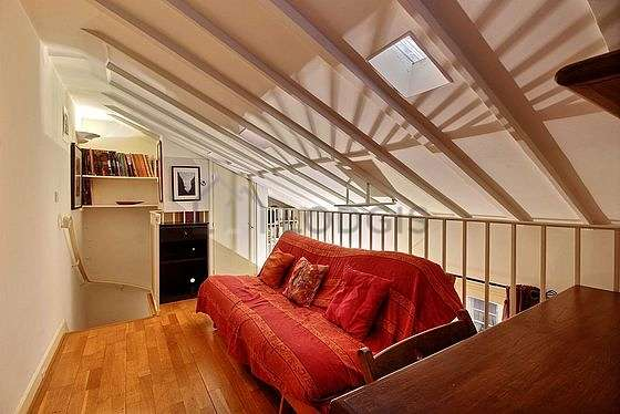 Very beautiful mezzanine equipped with sofa, 1 chair(s)