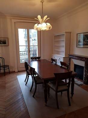 Great dining room with wooden floor for 6 person(s)
