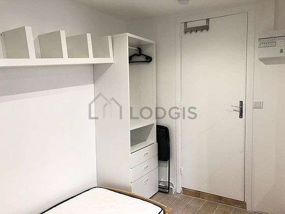 Very quiet living room furnished with 1 bed(s) of 80cm, tv, closet, cupboard