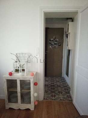 Entrance with tile floor