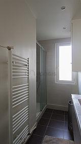 Apartment Paris 20° - Bathroom