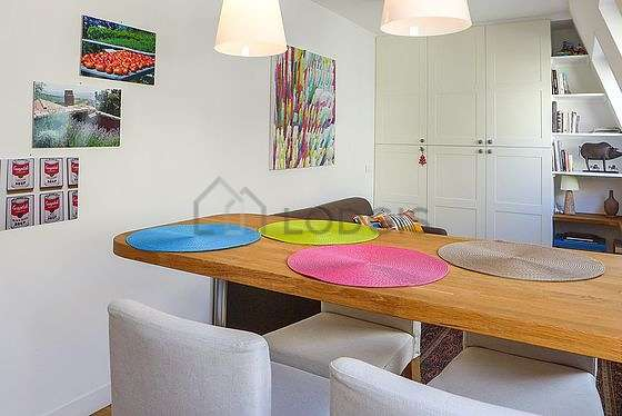 Kitchen where you can have dinner for 4 person(s) equipped with refrigerator, crockery, stool