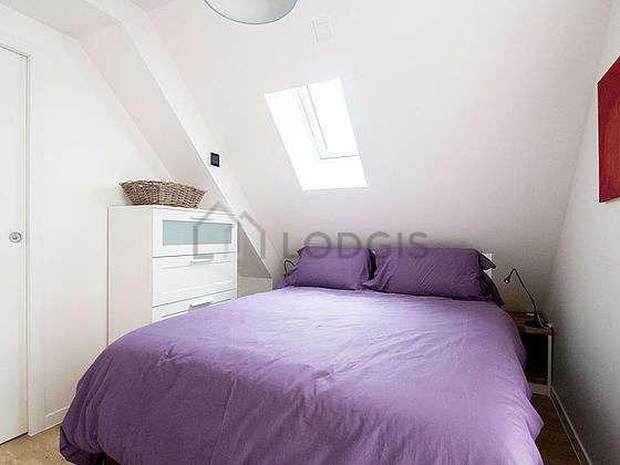 Bedroom with windows