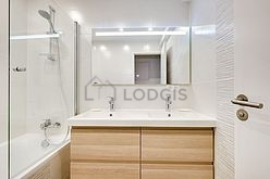 Apartment Hauts de seine - Bathroom 2
