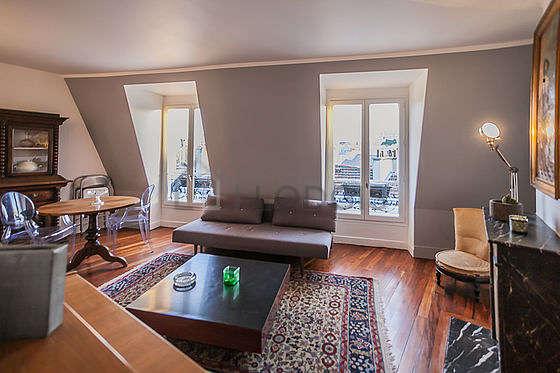 Séjour très calme équipé de canapé, 1 fauteuil(s), 4 chaise(s)