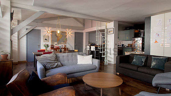 Great, very quiet and bright sitting room of a loft in Paris