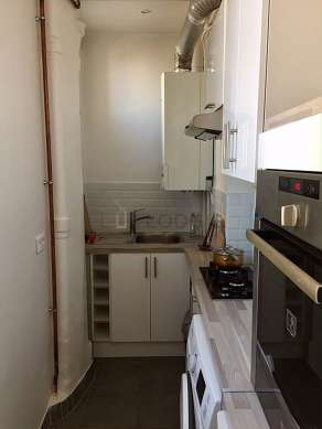 Great kitchen of 4m² with tile floor