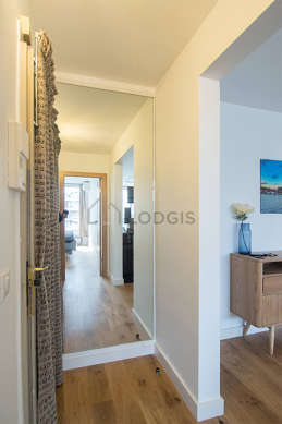 Very beautiful entrance with wooden floor
