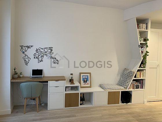location appartement 1 chambre paris 3 rue au maire. Black Bedroom Furniture Sets. Home Design Ideas