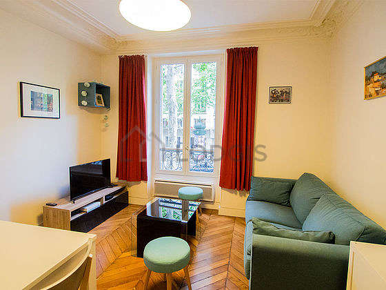 Beautiful bright sitting room of an apartment in Paris