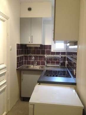 Beautiful kitchen of 4m² with linoleum floor