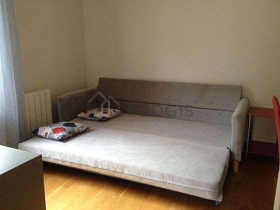 Very quiet living room furnished with 1 sofabed(s) of 140cm, sofa, 1 chair(s)