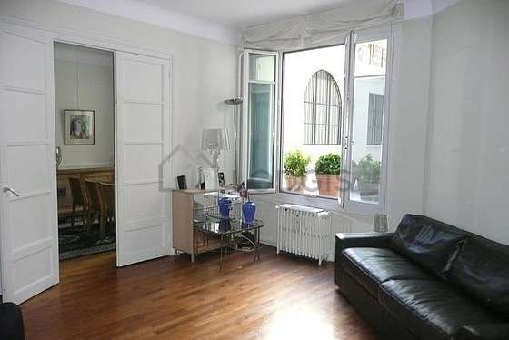 Very quiet living room furnished with 1 sofabed(s) of 160cm, hi-fi stereo, closet, 1 chair(s)